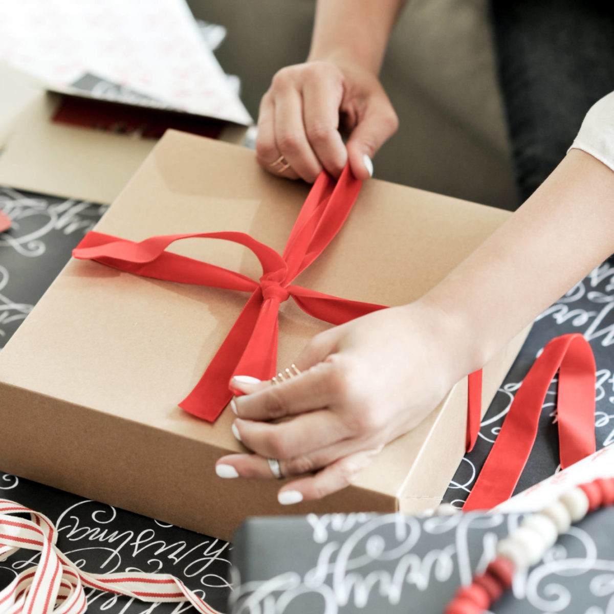 minted-holiday-gift-wrap-30