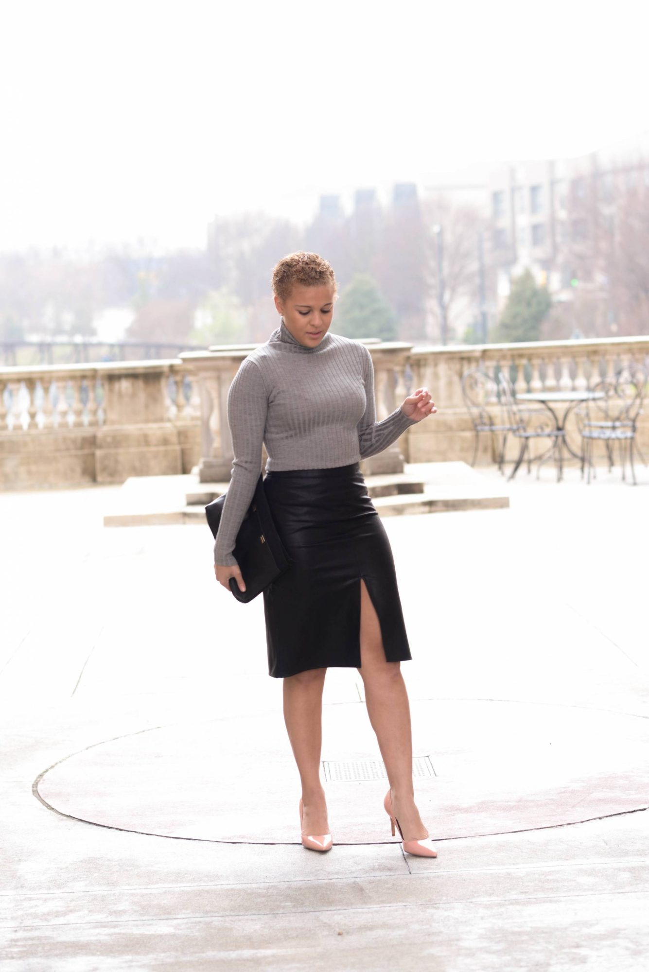 Chic Leather Pencil Skirt